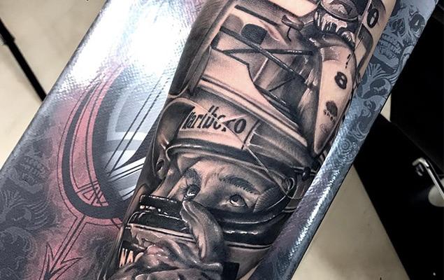 tatuaje grande en el brazo